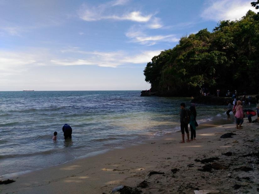 Pantai Karang Bolong, Nusakambangan
