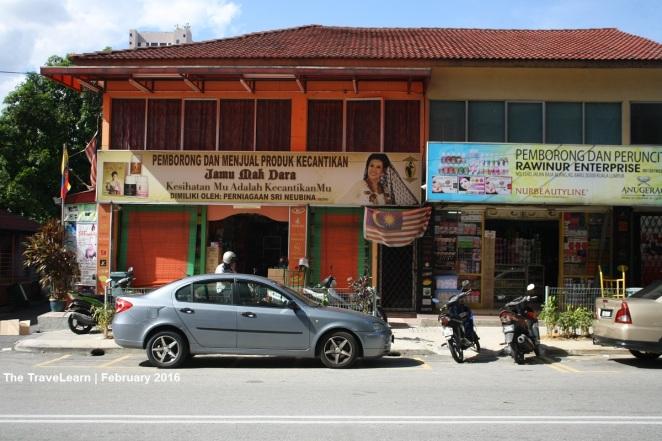 Warung jamu di Kampung Bharu, Kuala Lumpur