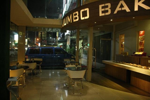 Jumbo Bakery, Papa Ho Hotel