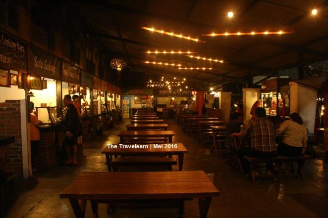 Area duduk bagian dalam, Paskal Food Market