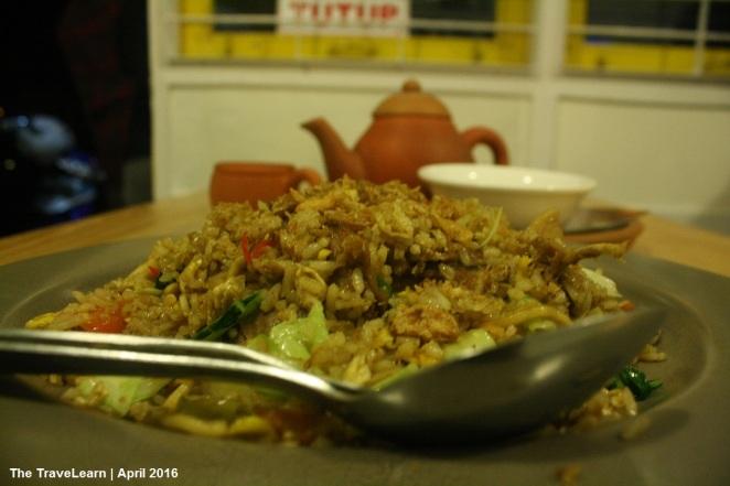 Nasi Goreng Mawut dan Teh Poci, Sekar Alas, Bandung