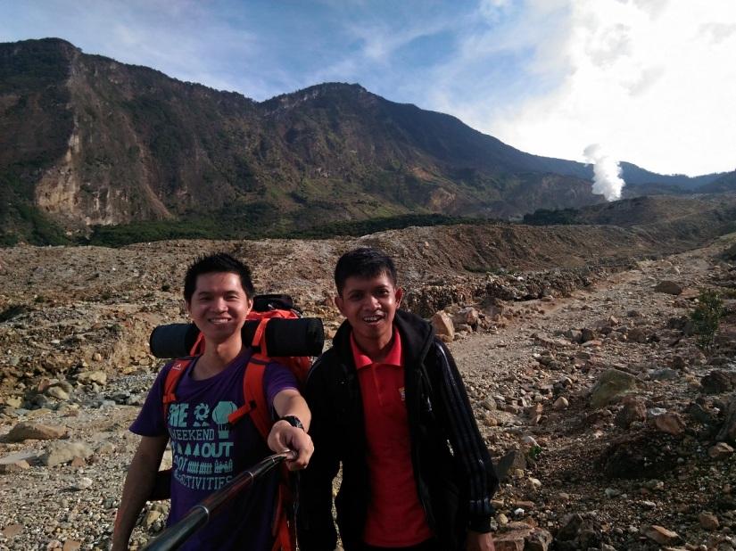 Memulai pendakian kami dengan... selfie!