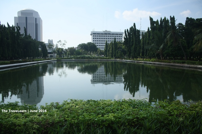 A pond in the middle of the park in Monas, Jakarta
