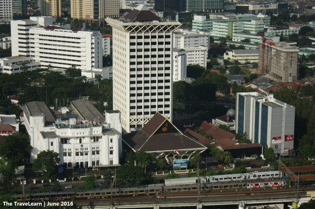A closer look to the elevated track of Jakarta commuter line