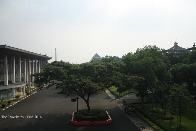 Pemandangan dari peron aeromovel TMII