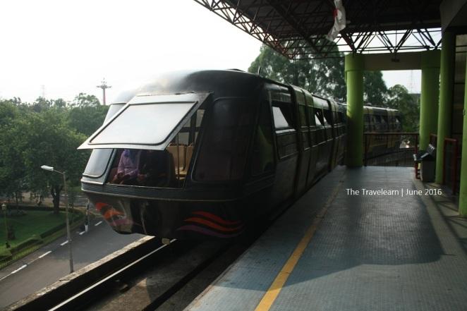 Aeromovel Titihan Samirono di TMII Jakarta