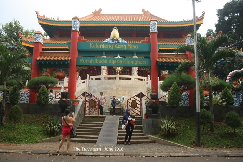 Di dalam TMII juga ada 5 tempat beribadah, sesuai dengan karakteristik Indonesia