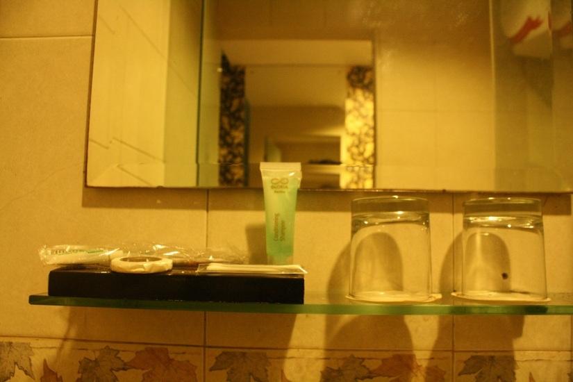 Toiletries lengkap, Gloria Suites Jakarta