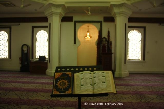 Desain interior prayer hall Masjid Jamek, Kuala Lumpur
