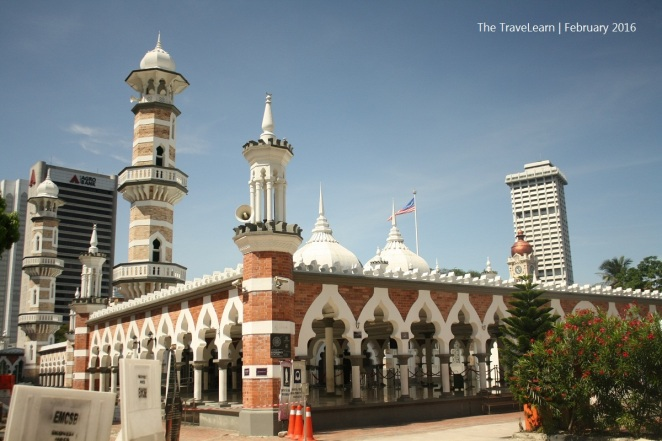 Masjid Jamek berdiri di pertemuan Sungai Klang dan Gombak, titik di mana peradaban Kuala Lumpur bermula