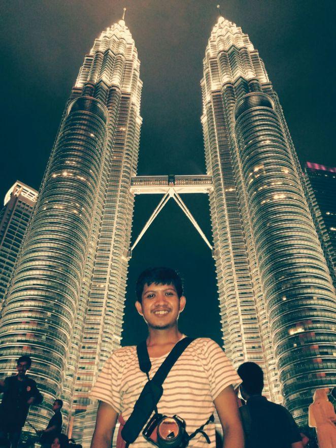 Petronas Twin Towers, simbol kemajuan Kuala Lumpur dan Malaysia