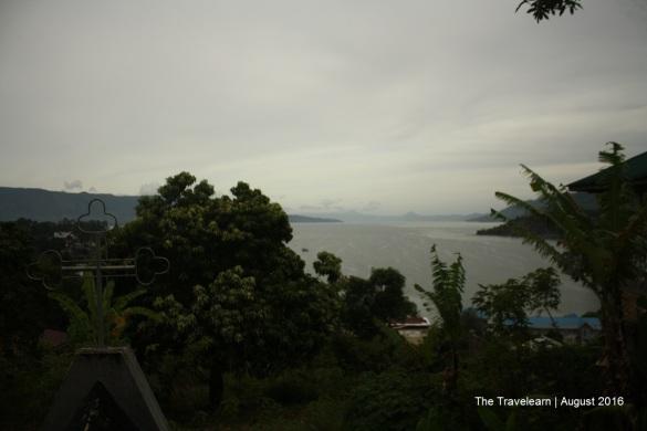 Mengntip Danau Toba dari Parapat View di pagi hari