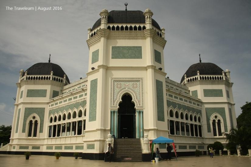 Masjid Raya Al-Mashun, Medan, dibangun 1906-1909
