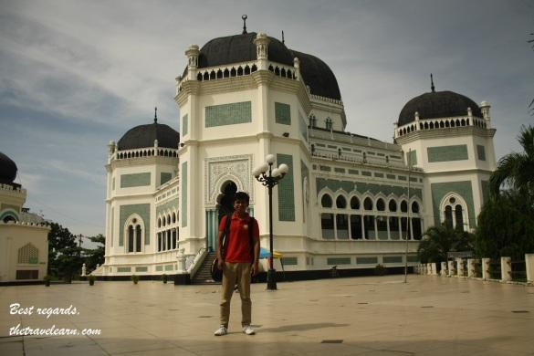 thetravelearn.com sudah menjejak di Masjid Raya Al-Mashun, Medan