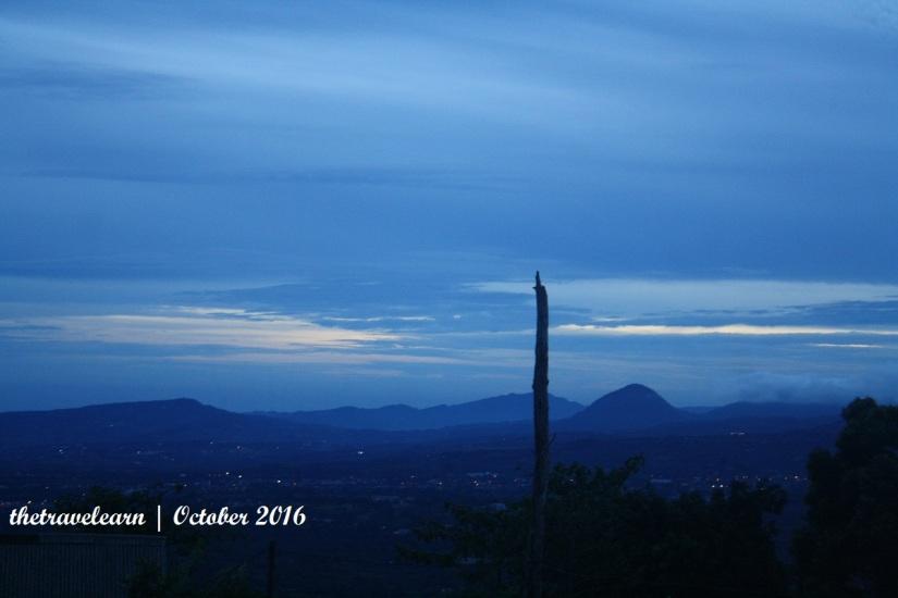 Langit Bukit Alesano dari sisi yang lain