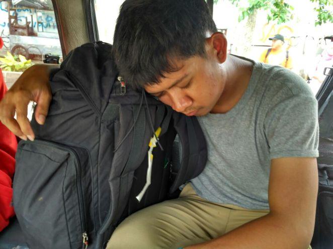 Terkantuk di dalam angkot kembali menuju kota Bogor
