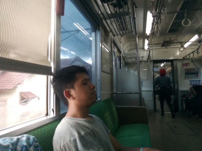 Terkantuk dalam perjalanan pulang ke Jakarta