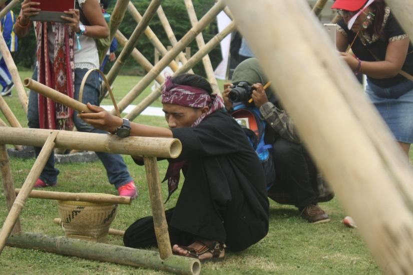 Anak-anak di Bandung masih ada yang main kayak ginian nggak ya?