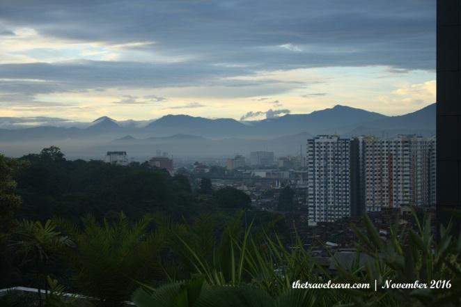 Pemandangan kota Bandung dari sisi lain Rooftop
