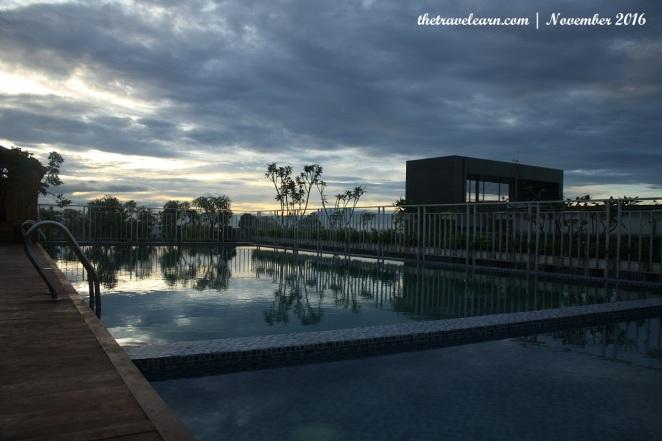 Kolam renang (rooftop swimming pool) Grand Tjokro