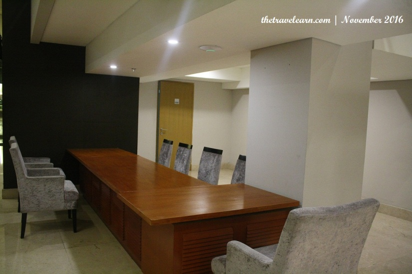 Seating Area resmi di North Tower