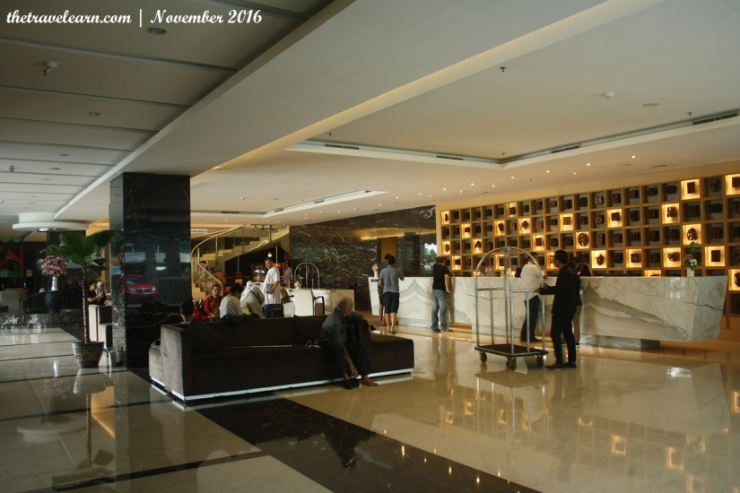 Seating Area di lobi Main Tower