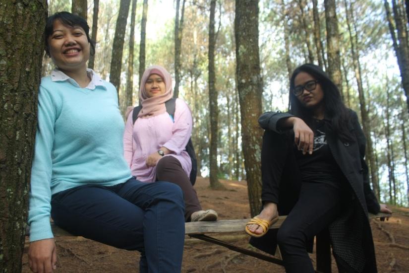 Preman kantor lagi piknik di Bukit Moko