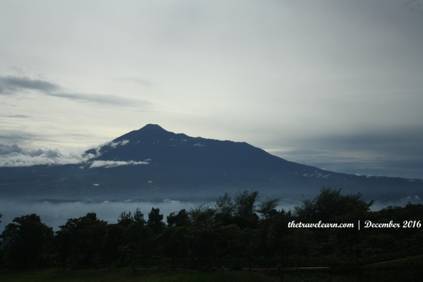 Pemandangan Gunung Gede dan Bogor Dari Ketinggian