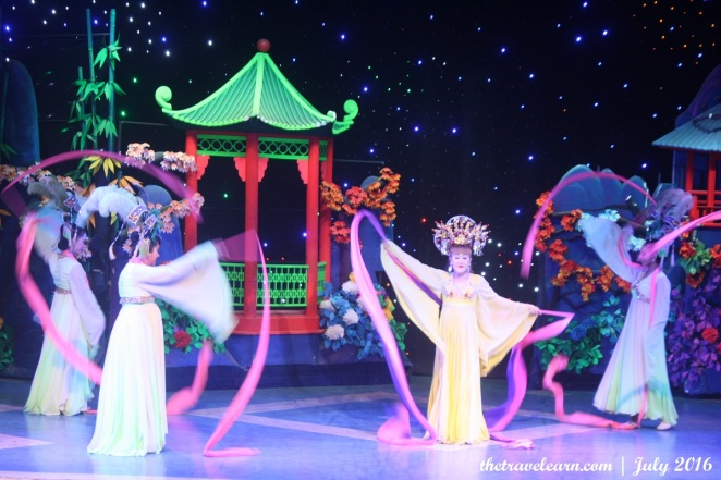 blog-mambo-cabaret-show-bangkok-ladyboy-thailand-5