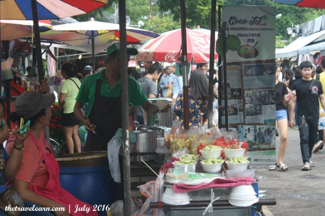 Kios makanan Chatuchak Weekend Market